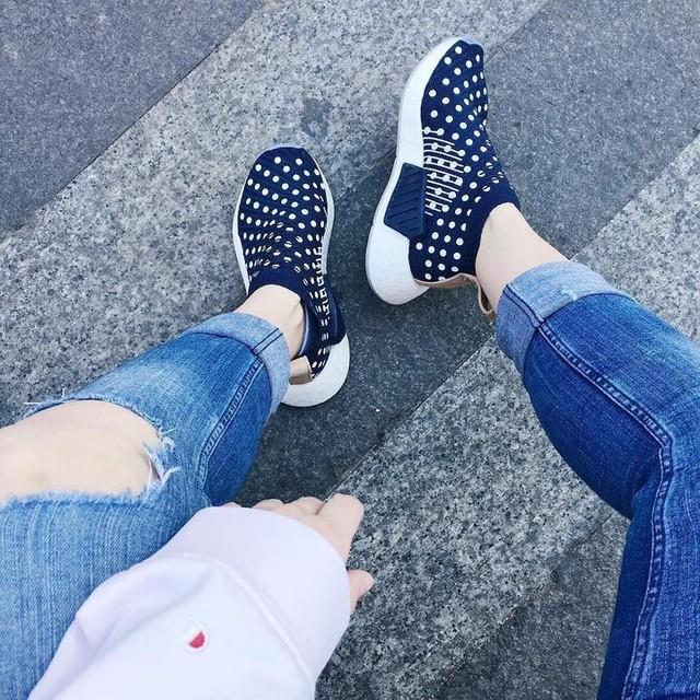 ❄️City Socks❄️ . . . . #nicekicks #mobilesneakers #crepecity #sneakerfiles #smallfeetbigkicks #igkicks #girlonkicks #igsneakercommunity #igkickscommunity #klekttakeover #sneakers #sneakergirl #sneakerfreaker #sneakercollector #nmd #nmdr1 #nmdadidas #nmdtalkworldwide #nmdvibes #nmdnicekicks #nmdshoes #adidas #adidasoriginals #gomf #baesmentapproved #nmdhype #adidasnmd