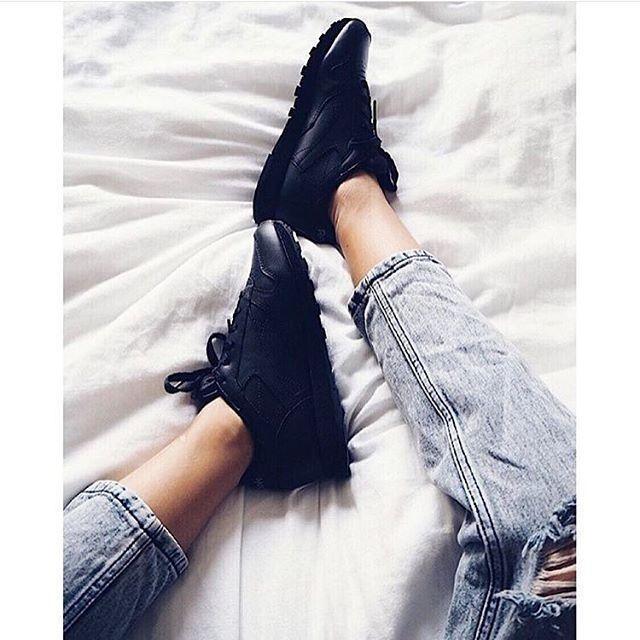 All black reebok classic leather👌 #reebok #classic #urban #urbanføtter #nerstranda #jekta @urbannorge