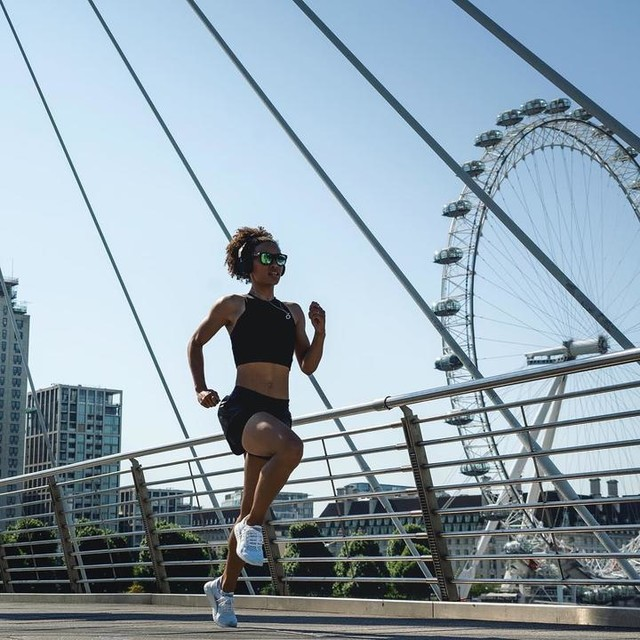 RUNNERS 👟 One of the questions I get asked the most is ... 'How do I get started?' So here's my top tips ⚡️ 1. Start by walking/ jogging. Don't worry about pace at all. 2. Get some headphones, download a good podcast or playlist 🎧 (Game changer!) 3. Get out early to beat the heat ☀️ 4. Set yourself time goals instead of distance. ie 5mins / 10mins/ 15mins 5. Get a running buddy. You'll can keep each other going. Lastly, remember, the first one is always the toughest!! 💪🏽💦 but don't overthink it, do as much as you can... just get started! #runners #motivation #whyirun #runtheworld #adrienneldn #summertraining #letsrun #heretocreate PC 📸 @maxwilko