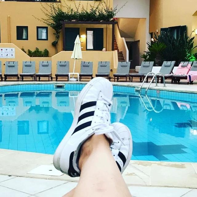 #holiday 🌴☀️🥂#together #sneakers #sneakerfreaker #adidas #superstar #adidassuperstar #adidasoriginals #stripes #white #classics #girl #legs #greece #crete
