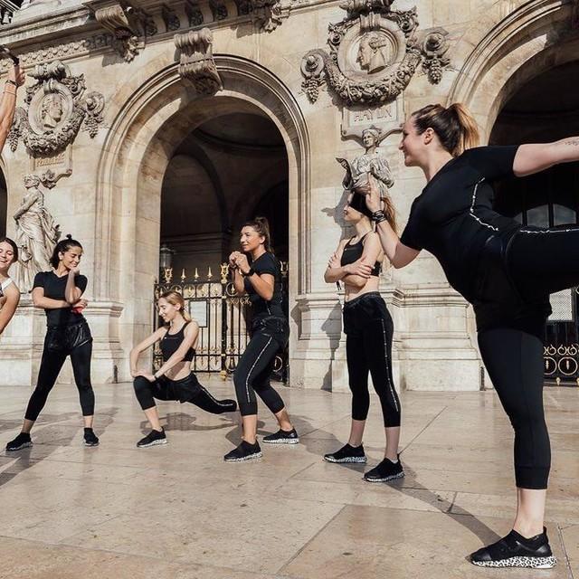 Toutes femmes mais toutes différentes  adidaswomen stellamccartney galerieslafayette #asmc #lessimpactmorepower #goforgood