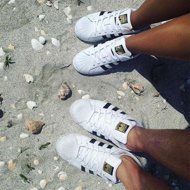 We did it again 🙊👫👟 #coupleswhomatch #adidassuperstar #corbubeach #summer2017