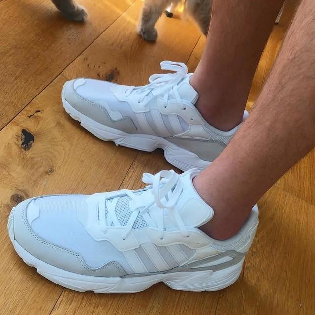 Colgate fresh ✨ adidas #yung96 #triplewhite #adidas #trainers #shoes #kicks #colgate #sparkles