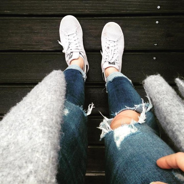 #ootd 🌘 #sneakerlove . . . . . . . . #adidas #stansmith #grey #outfit #style #stylish #fashion #autumn #legs #aesthetics #simplicity #cosy #photooftheday #picoftheday #instagood #like4like #likeforlike #beautiful