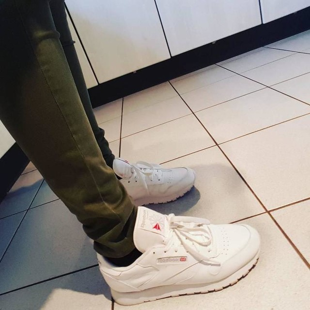 SUCHT 😂☺😍😆 #newlove#loveit#reebok#reebokclassic#white#shoes#greenjeans#reebokclassics#lovethem#girlsthings#girlproblems#hahaha#girls#me#myself#Beautiful#süchtig#ichkannnichtaufhören#hihi#liebe ❤👡👸