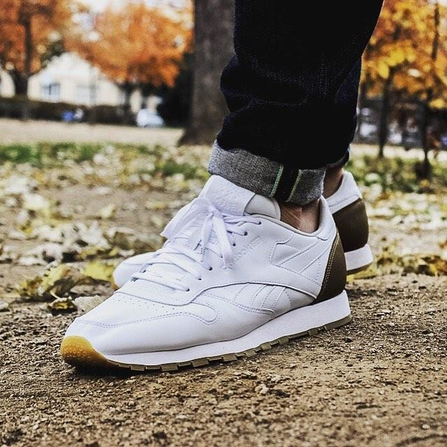 Starkes Ding! @reebokclassicgermany x @bornxraised Leather Classic. #womft #woyft #sneakersmag #reebok #reebokclassic #bornxraised #kotd #igsneakercommunity #walklikeus #sneakersmag #klekttakeover #selvagensneakers