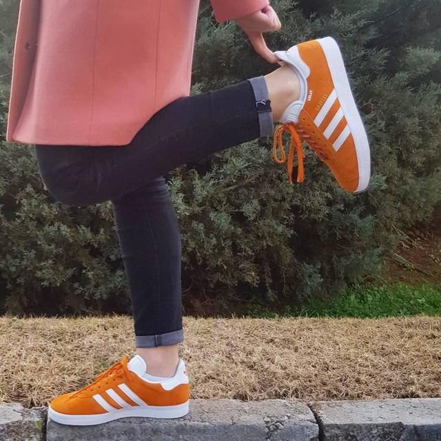 Pink & orange, pink & orange, pink & orange, pink & orange!!! #trustme #itsatrend #ss17 #lovemyjob #adidas #gazelle