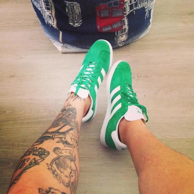 #adidas  #adidasgazelle  #anteprima  #remenberthefuture  #finalmenteinsieme #iloveshoes  #anni80style #ecuadorboys  #dimelopapi #dagliuncalcioaltuopassato  #GRstyle #ilovelife