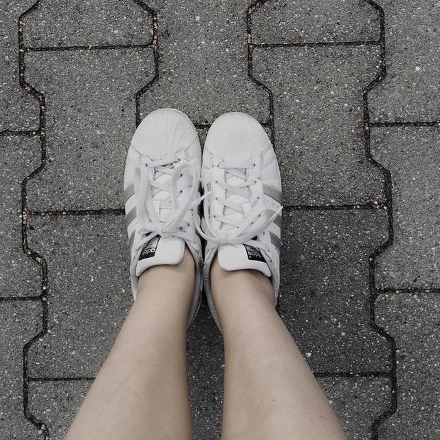 👟💓 #adidassuperstar #adidas #2k16 #throwback #legs #pic #photo #followme