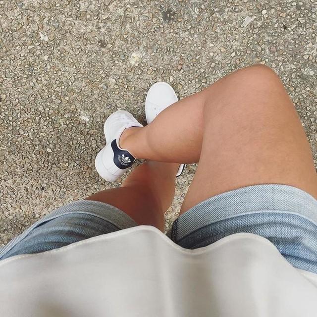 S n e a k e r s 🙋🏻 #toutarrive #ouijeportedesbaskets #stansmith #adidas #originals