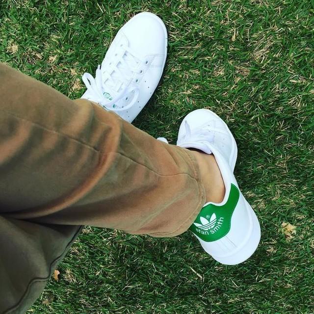 Loving my Stans #adidas #stansmith #green #ongreen #grass #fanling #hkig #hongkong