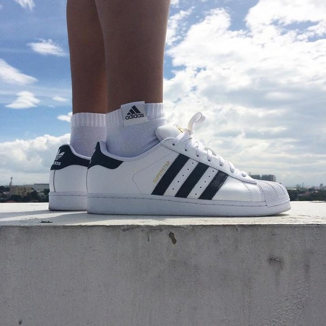 its a cloudy day! ⛅️#complexkicks #sneakernews #sneakers #sneakerhistory #sneakerfreaker #kicksonfire #kickspotting #nicekicks #weartesters #nightwingknows #teamtrefoil #adidas #adidasoriginals #adidastalkph #superstar