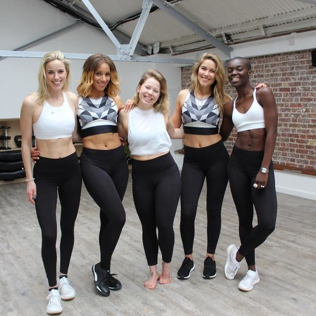Last week @isawelly and @keeley_dann came and taught us a dance routine..Now..for those that dont know us this is NOT something that came easy to us! We were SO out of our comfort zone and felt super embarrassed when we first started the class. However... after one hour of learning to strut, twerk and give it some sass we actually managed to pull together a routine!!! You just can't beat that feeling of  doing something new and giving it a go. We laughed throughout, had such fun and we can't wait to show you the video tomorrow. So guys, if like us dance is not something that comes naturally to you don't let it stop you from going to a class. No one cares how you look, we just guarantee smiles and laughter throughout!! Give it a go! #soulsistermethod . . . #fridayfriends #adidaswoman #dancefriends