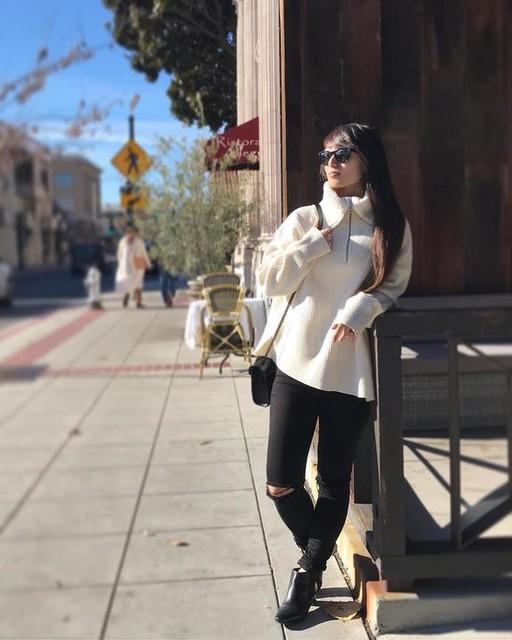 lill_canele - Ami Roll Neck Sweater