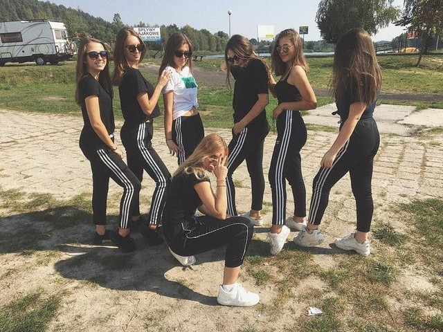 Adidas orginals #bestgirls#friends#trip#school#brunette#polishgirls#love 💗