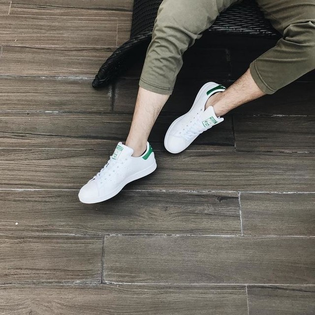 not really a big fan of light colored shoes because they're hard to maintain, but stan smith is an exemption 😂 thank you ate @engrcaimanalansan for my first pair of white shoes 😍 #vsco #vscocam #vsco📷 #vsco🍃 #vsco🌋 #vscocamera #vscocamph #vscocam📷 #vscogood #vscogood_ #vscogoods #vscogoodshot #vscoph #vscophile #vscophileph #vscophiles #vscophiler #vscophoto #vscophotos #vscophotography #vscophotograph #vscophil #vscophilippines #vscophilia #vscophilippines_ #stansmith #whiteshoes #adidas