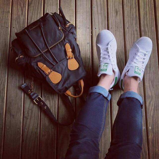 👟 #burberry #adidas #mood #streetstyle #style #look #yesadidas #3style #picoftheday #fashion #instafashion #instamood #monday #luxury #gotowork #model #like4like #like #selfie #pretty #followme #follow #