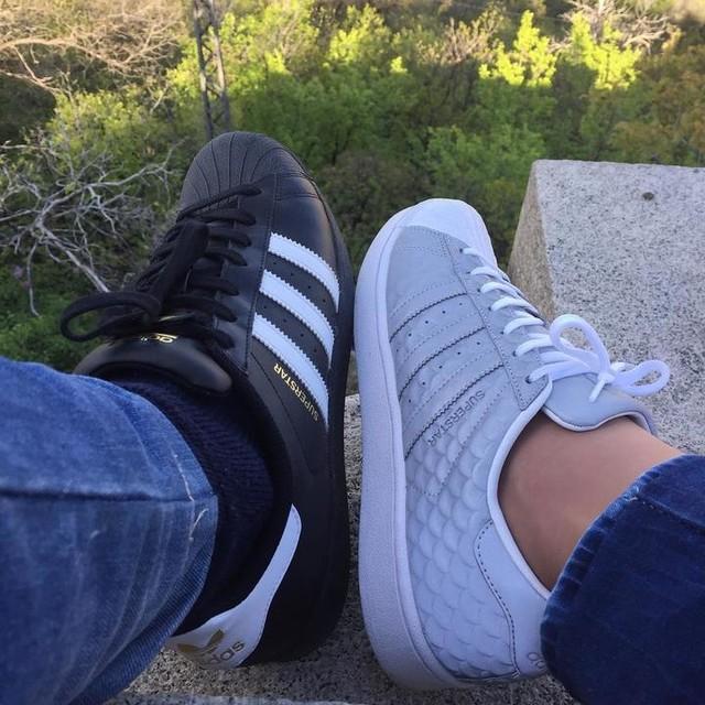 #adidas #adidassuperstar #boy #girl #superstar #adidassler #adidasoriginals #adidasoriginalssuperstar #classic #couple @adidasoriginals