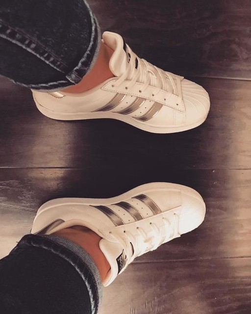 In love with #adidassuperstar ✌️❤️#adidas#superstar#adidasoriginals#3stripesstyle#silverstripes#look#Moscow#Russia