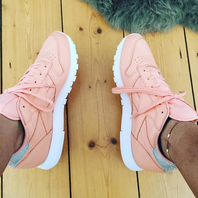 Have the best bf, surprising me with these beauty's 🙅🏼‍♂️💓🙊💗👴🏼 #reebok #pink #shoes #sèx
