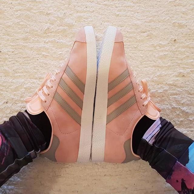 ❤❤❤❤ #adidas #adidasgazelle #iminlove #pinkandgray #springshoes #adidasneo