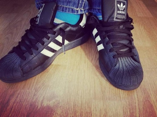 #oldschool #adidas #superstar #kicks #3stripes #3stripesstyle #casualstyle #throwback #allblack #casualfriday #3stripeslifestyle