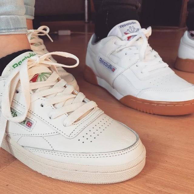 Old school vibe✌️ #sneakersaddict #ilacraquéaussi #hehe #reebokclassic #clubc85 #vintage #oldschool #white #sneakers #mylove #bdb #kisskiss #love.