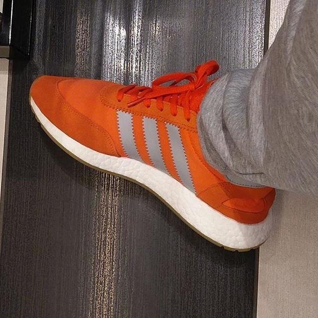 Vegas kicks. Energy Orange Iniki 🔥 #adidas #iniki #boost #boostgang #vegas
