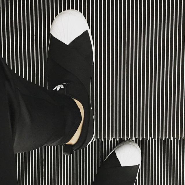 Saturday🗣 #saturday  #adidas #adidasoriginals  #adidassuperstar  #superstar #superstarslipon  #slipon #workstyle  #アディダス  #アディダススーパースター  #kicks #socks #ootd #happy  #japan #tokyo #love  #足元倶楽部 #あしもと倶楽部  #裸足のけん #裸足のニック