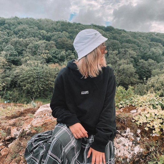 abbiefranks_ - State Pullover Hoodie