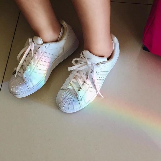 🌈 #rainbow #rainbows #adidassuperstar #adidas #photography #summer #travel #travelphotography #instaday #instadaily #instadailypic #instadailyphoto #instagood #instalike #instafollow #happy #airport