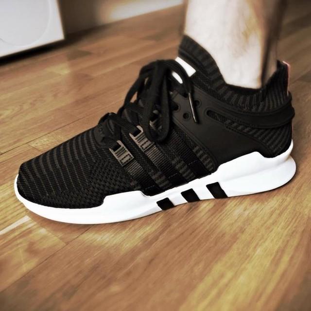 Meine neuen Treter sind da 👟😍 Der Sommer kann kommen. . . #adidas #sneakers #eqt #primeknit #equipment #allblack #shoes #afewstore