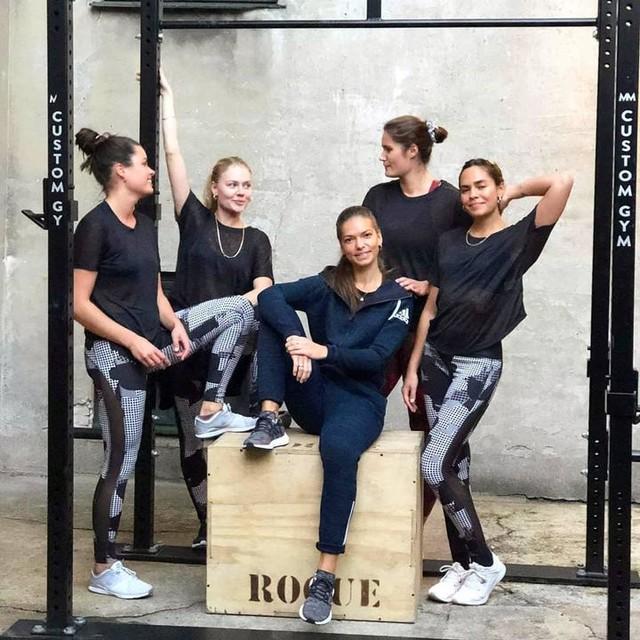 WE ARE #heretocreate WE ARE here to workout 💪  WE ARE ready!  #adidastraining adidaswomen #incolaborationwithadidas #trainingcamp #trainwithsidselgodsk