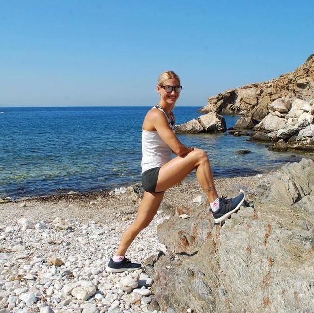 Τρέξε δίπλα στην θάλασσα! Κάνε διατάσεις! Αν θες ρίξε μια βουτιά! Απόλαυσε την μοναδικές Ελληνικές ακτές που έχουμε!🇬🇷 Προσέχουμε τις θάλασσες μας, δεν πετάμε πλαστικά...🌊 #running #adidasgr #adidasparley #run #iloverunning #sea #greek