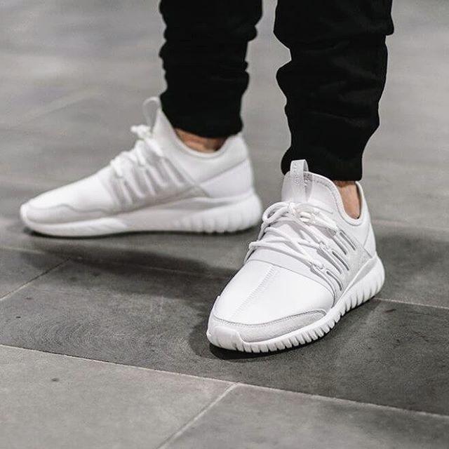 👌 #adidas #adidastubular #tubular #tubularradial #crystalwhite #white #grey #love #cool #awsome #new #trainers #trainerslife #kicksonfire #kicks #fashion #repost #sourceunknown
