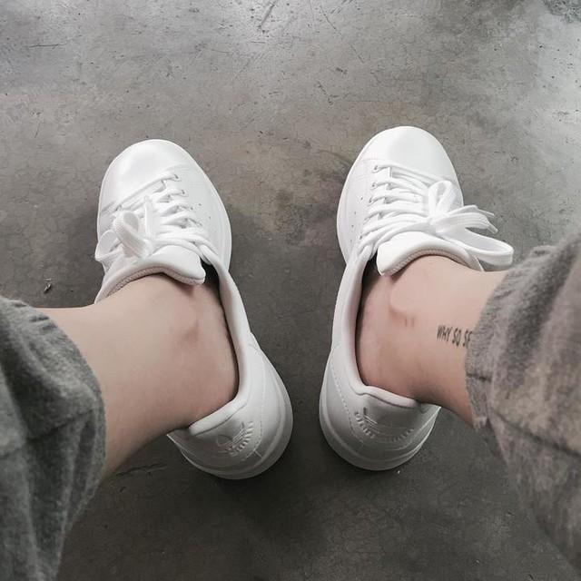 "New one ""all white"" 😍 ขาวไปหมด . ขอขอบคุณผู้สนับสนุน @cute_jin 🙏#stansmith #allwhite"
