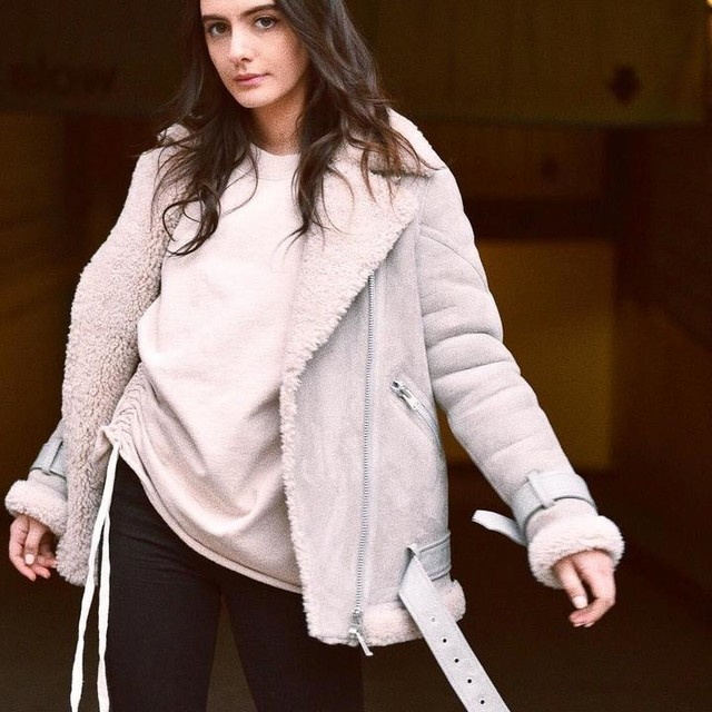 Olivia Perez - Hawley Übergroße Shearling Bikerjacke