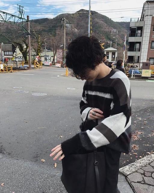 sh46211 - Striley Crew Sweater