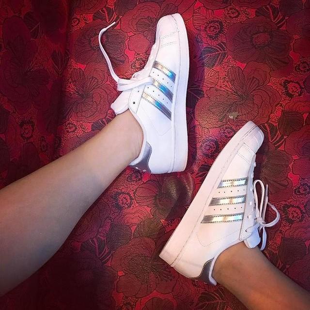 Hí hí 💋💋 #newbae #adidas #superstar #silver #3stripesstyle