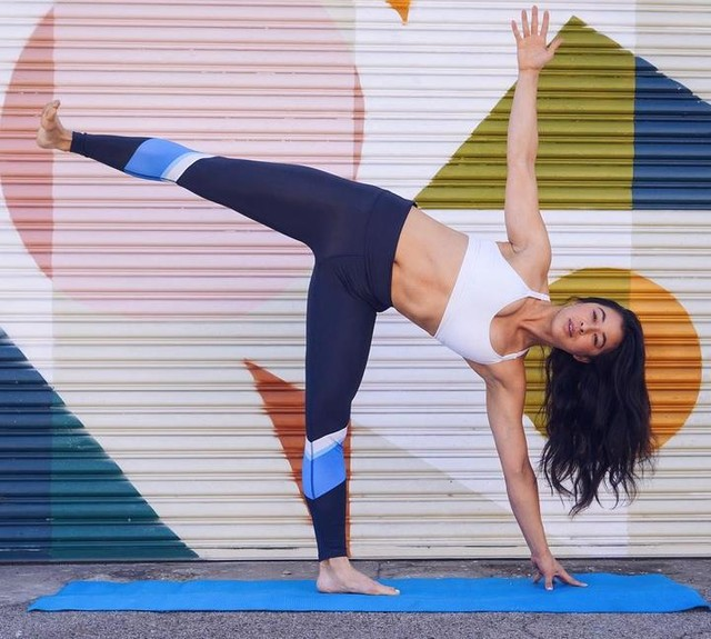 Can someone hand me a block? LOS ANGELES: free fitness for you! adidas x Wanderlust is doing another series of Sweat, Stretch Chill starting TOMORROW. Come join me for 45 min of yoga, 45 min of HIIT and happy hour hangs from 4-5:30pm at the Wanderlust Hollywood studio. Who's in? link in my bio for easy sign up. #createdwithadidas  #adidaswanderlust
