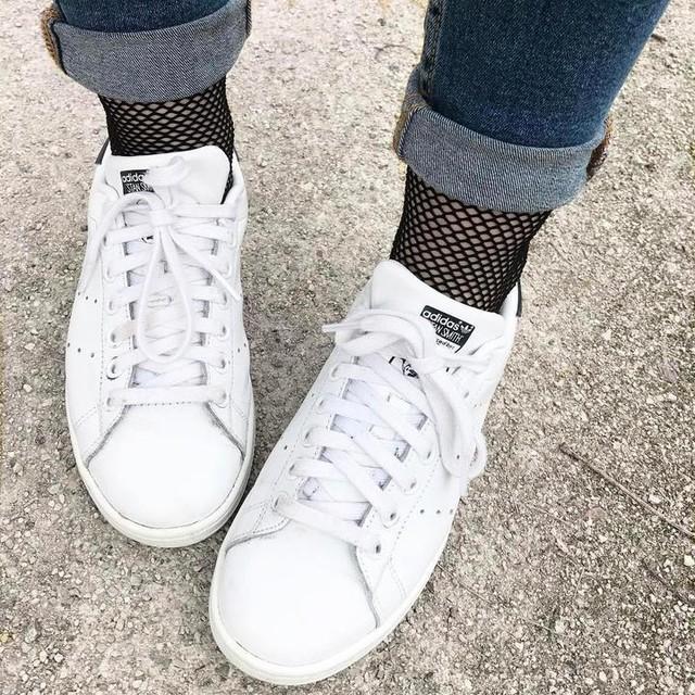 R e s i l l e ••• #shoes #resille #socks #stansmith #baskets #jean #monday