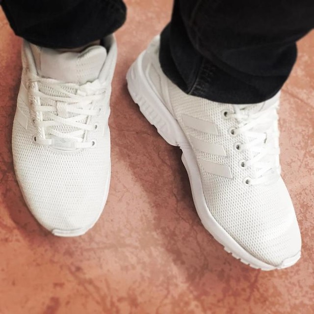 My new babies 🙊😍 #zxflux #zxfluxteam #adidas #adidaszx #adidaszxflux #shoes #shoesaddict #instashoes #shoesofinstagram #white #love